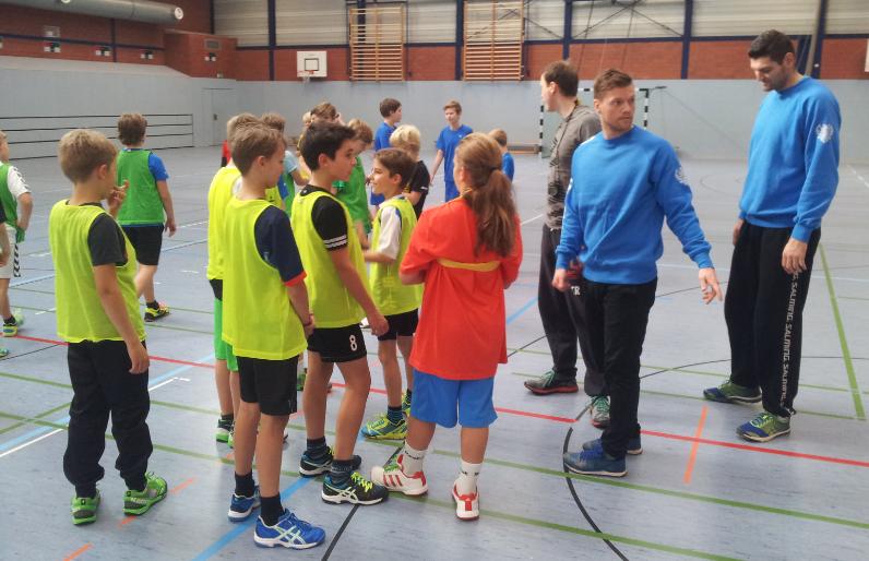 Cool Handball Training Mit Profis Des Bhc Friedrich Albert Lange